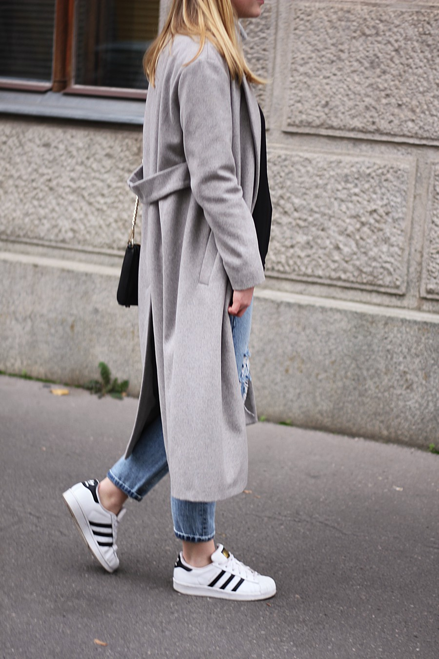 oliviasly_outfit_fall_winter_sneaker_grau_mantel8