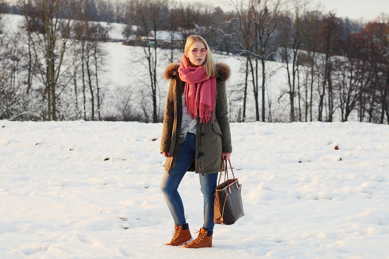 oliviasly_winterwonderland_outfit_parka_timberland_winter_fashion10