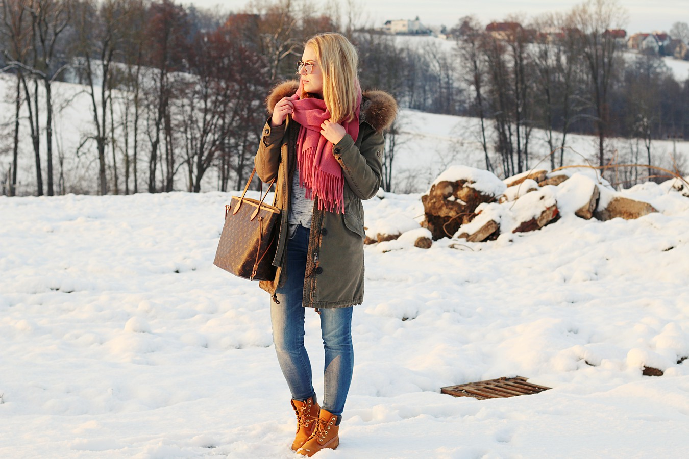 oliviasly_winterwonderland_outfit_parka_timberland_winter_fashion3