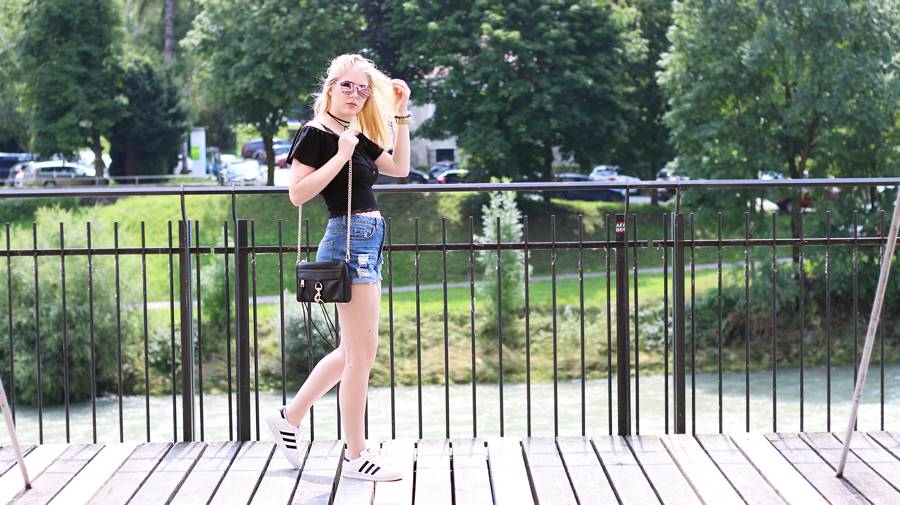 olivialy_outfit_shorts_off_shoulder_choker9