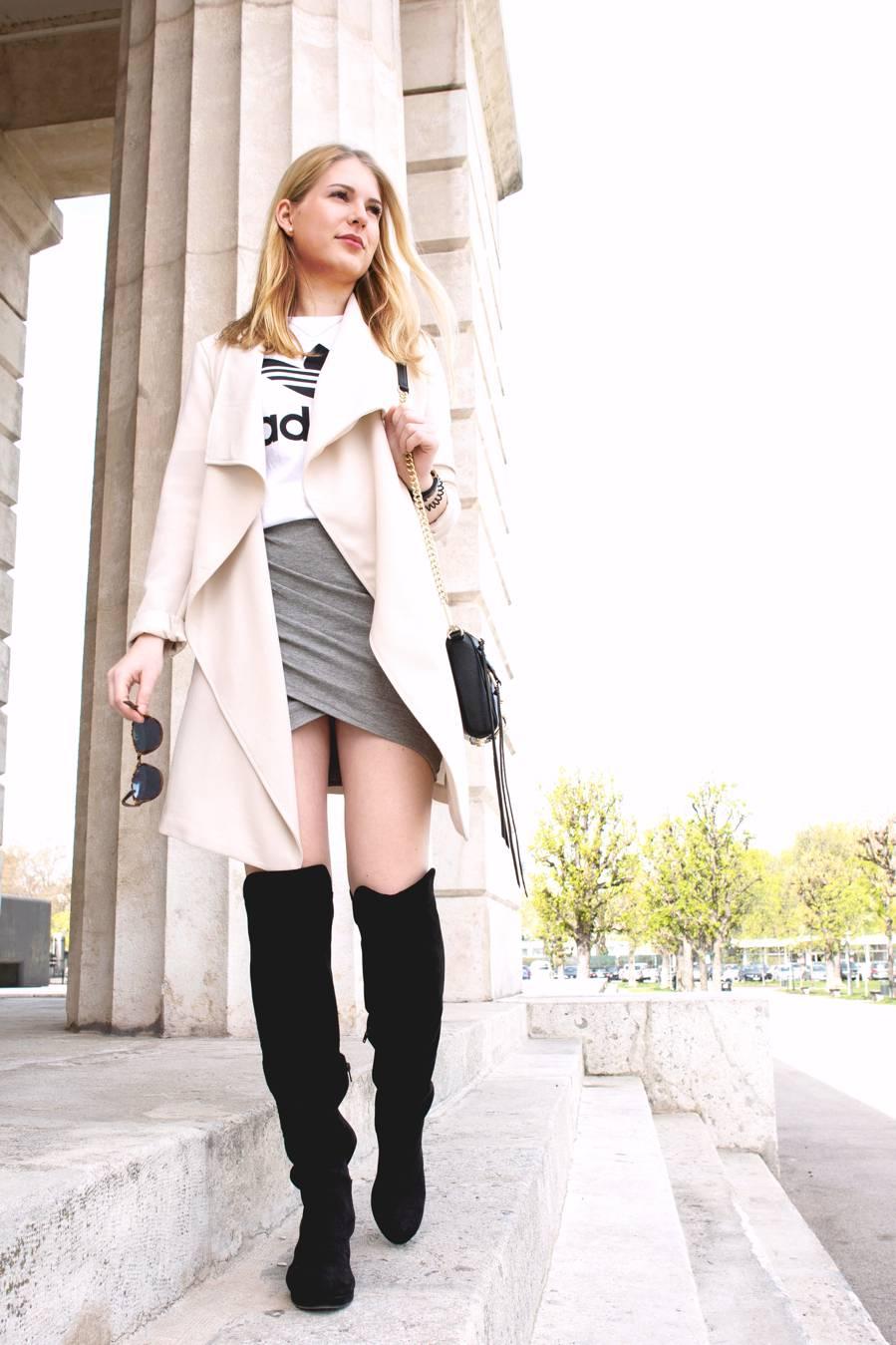 oliviasly_outfit_overknees_wickelrock_beige_adidas4