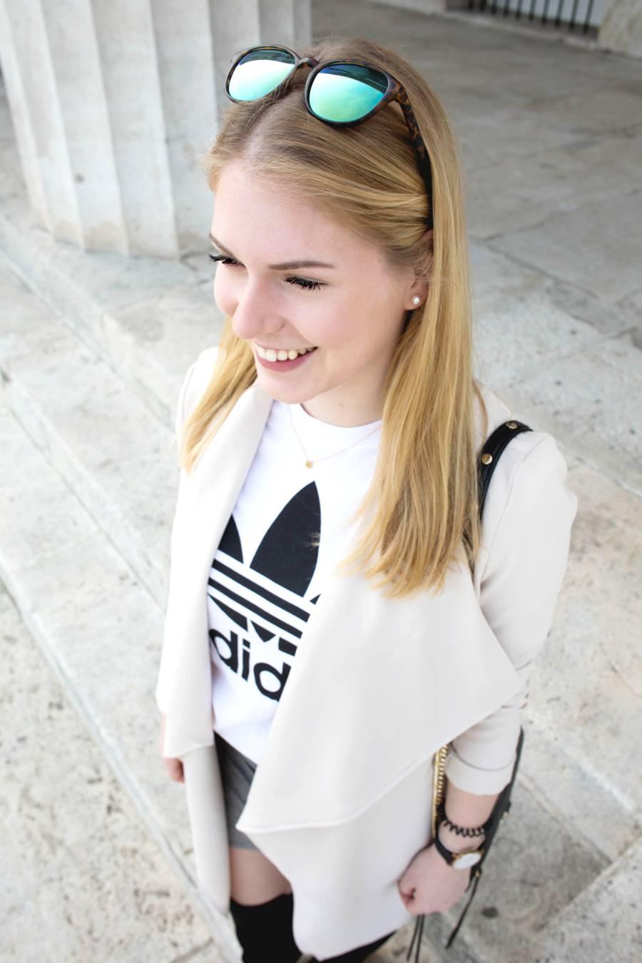 oliviasly_outfit_overknees_wickelrock_beige_adidas7